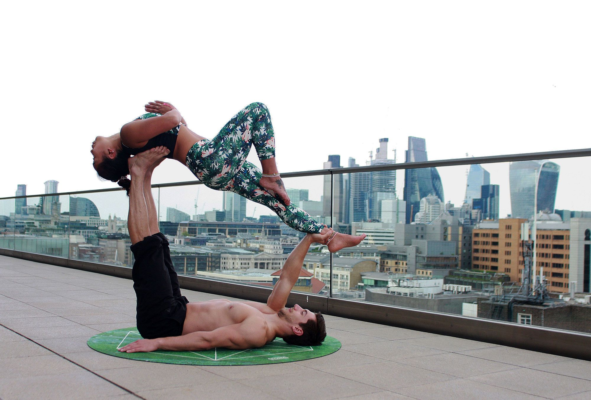 outdoor-yoga-featured